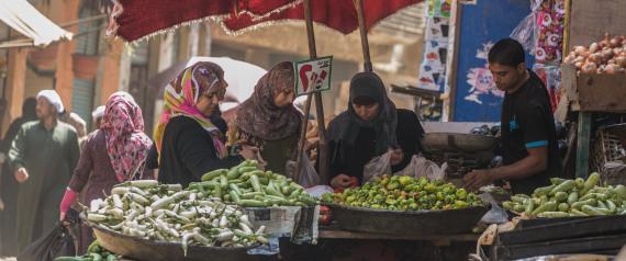المصريون ينفقون أكثر من 43% من دخلهم علي الطعام!